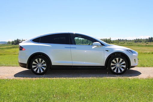 4 Best Electric Cars With Features To Die For