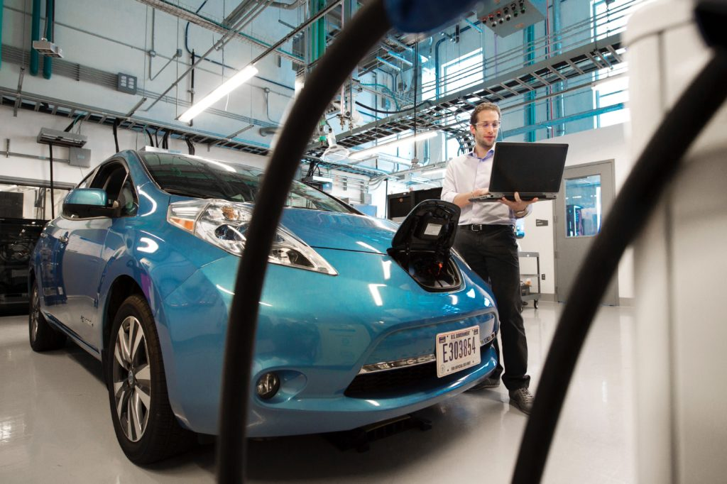 How Do Electric Cars Work? Know The Workability